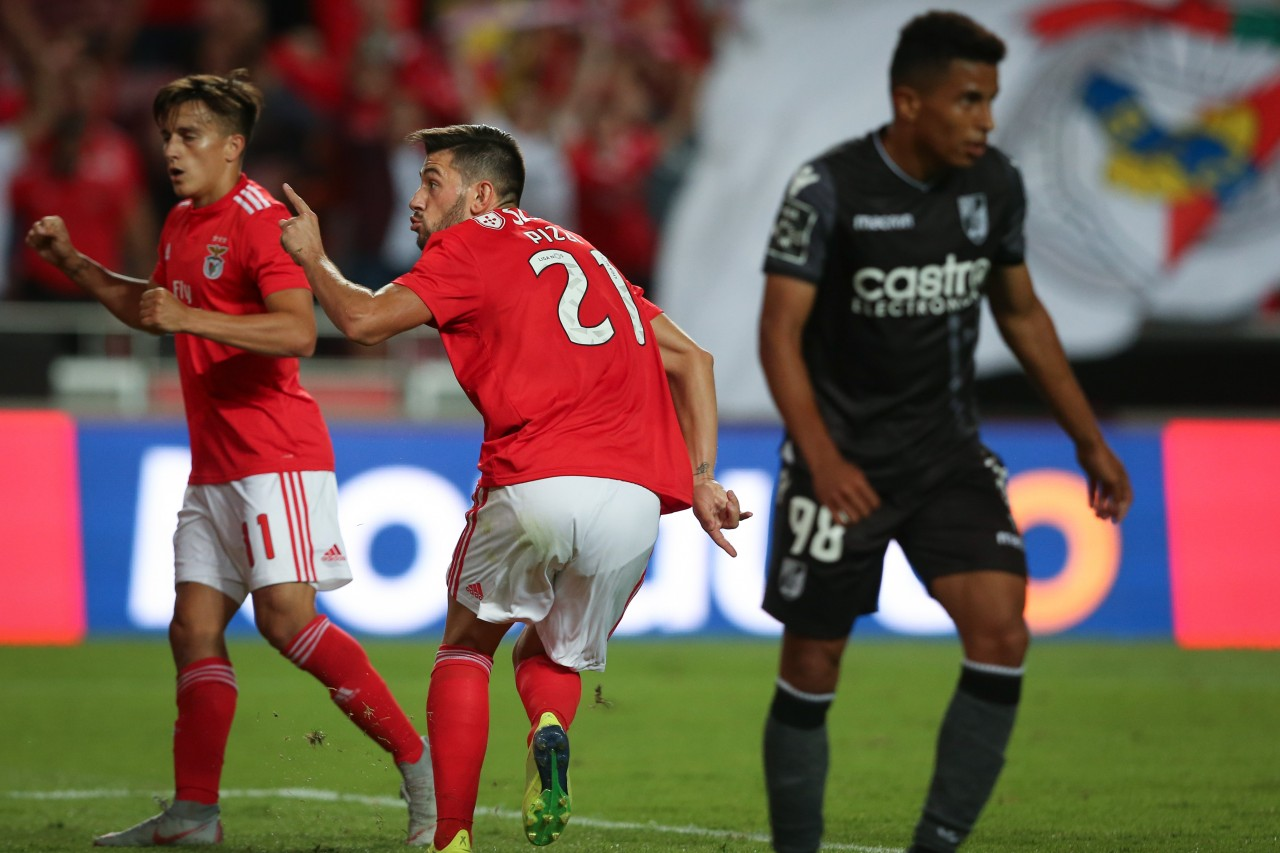 08a4dc5aa78f1 Benfica começa campeonato com triunfo sobre Vitória de Guimarães ...