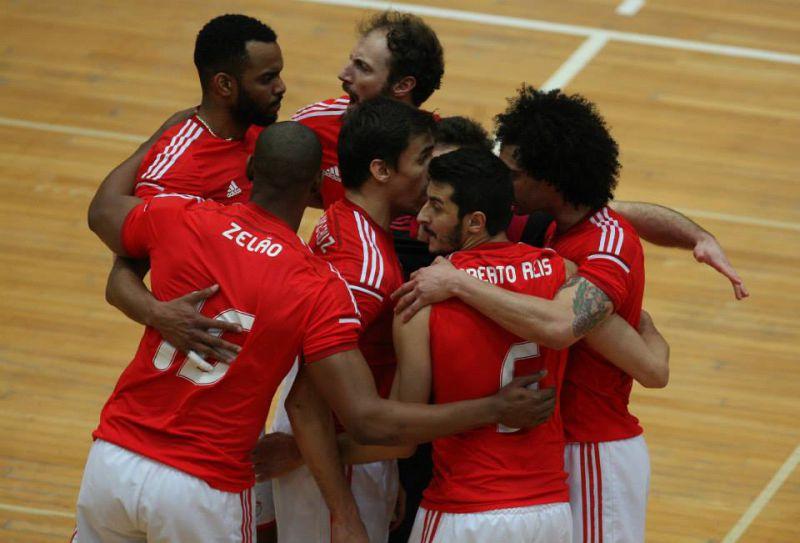 7388c33786 O Benfica começou com uma vitória os oitavos de final de Challenge Cup de  voleibol