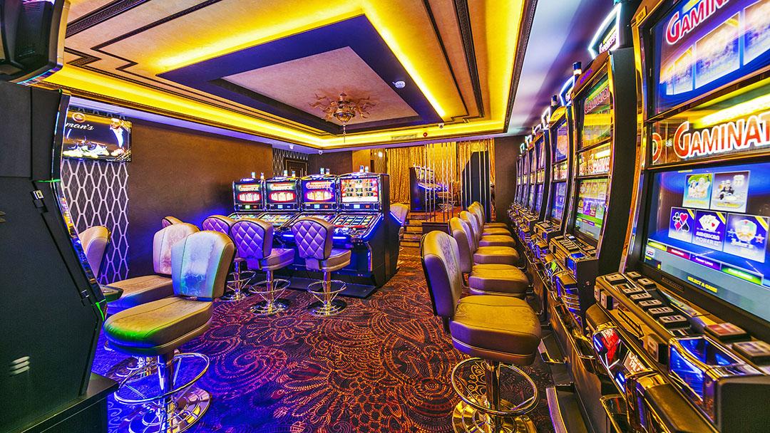 официальный сайт казино кристалл москва адрес