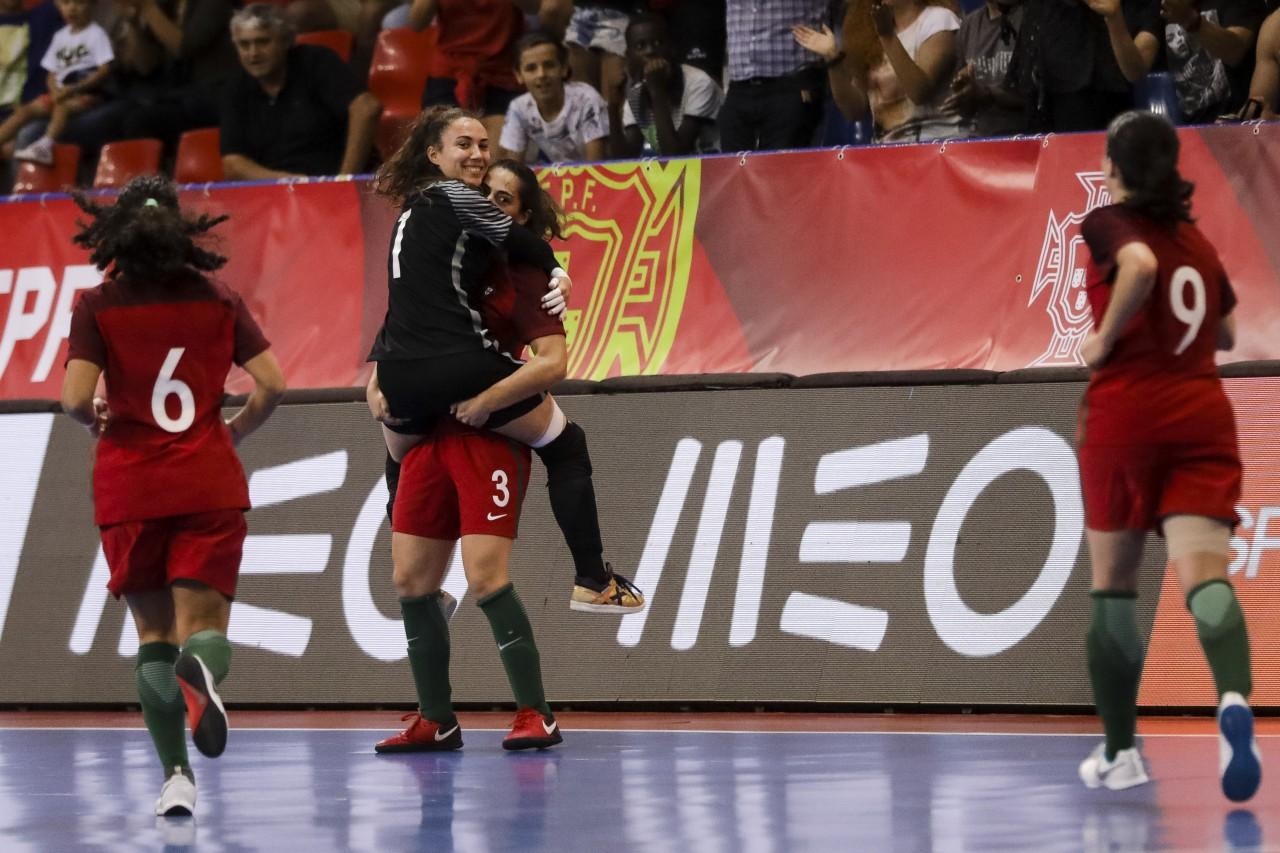 A seleção portuguesa feminina de futsal carimbou esta quinta-feira a  presença no primeiro europeu da modalidade 12ce10f24becb
