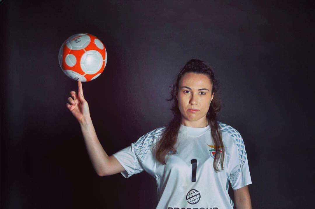 ede7049d9f A internacional portuguesa Ana Catarina Pereira (na foto acima) está  novamente nomeada para melhor guarda-redes de futsal do mundo
